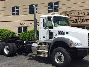 Camión Mack Granite PJL 18 LBS mDrive